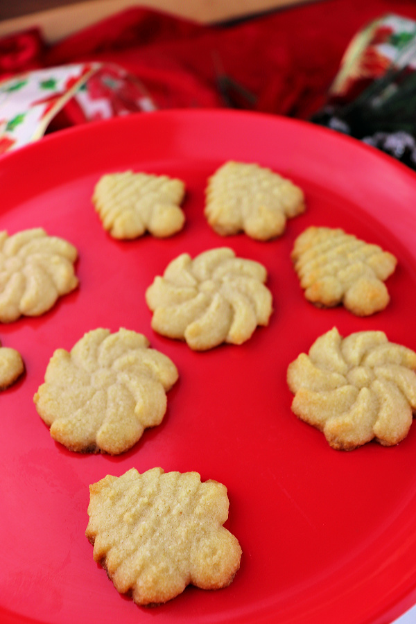 Keto butter spritz cookies are the perfect low carb recipe this Christmas! Kid-friendly and super easy this is the perfect keto recipe for your keto diet or gluten-free needs! #glutenfreecookies #ketocookies