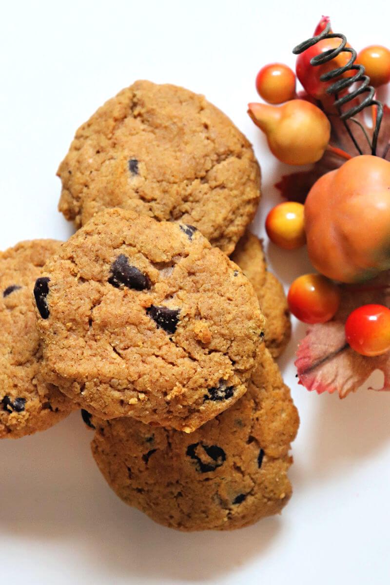 Overhead keto pumpkin cookies