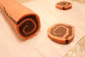 Low carb chocolate pinwheel cookies, slice and bake the cookie dough log #ketocookies #lowcarbcookies