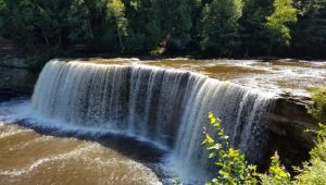 Tahquamenon Upper Falls, MinivanAdventures, Michigan #TahquamenonFallsStatePark #familytravel
