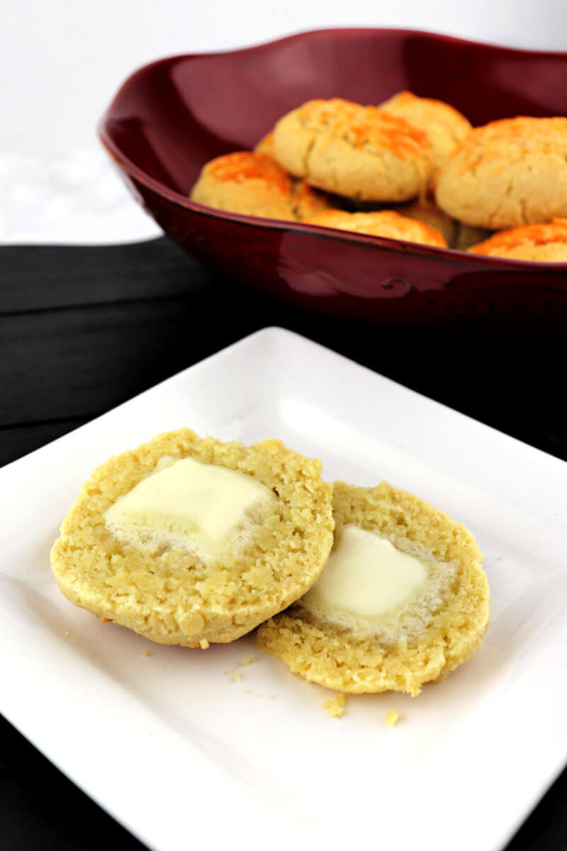 Keto biscuits with butter are gluten-free and packed with garlic and parmesan flavor. #ketobread #lowcarbrecipes