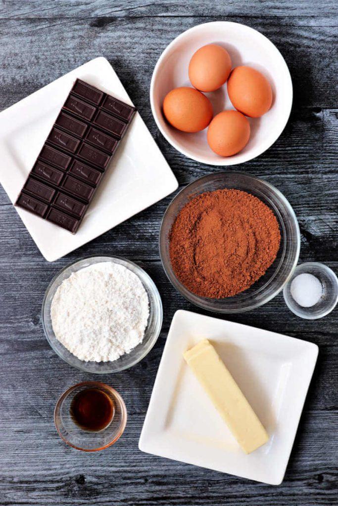 Keto flourless chocolate grasshopper cake ingredients