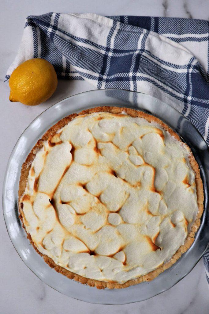 Overhead keto lemon meringue pie.