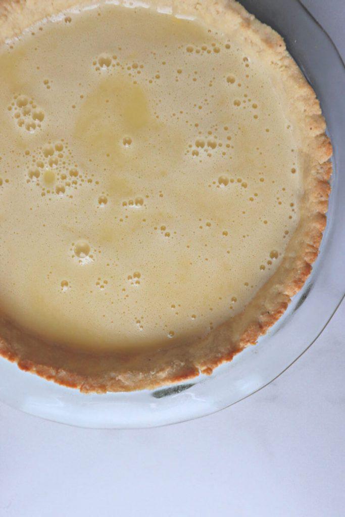 Keto lemon filling in the almond flour crust