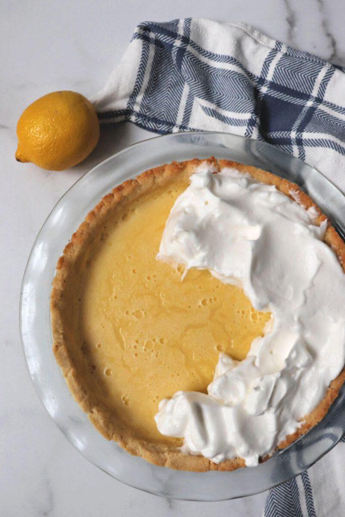 Sugar-free meringue to put on the lemon pie