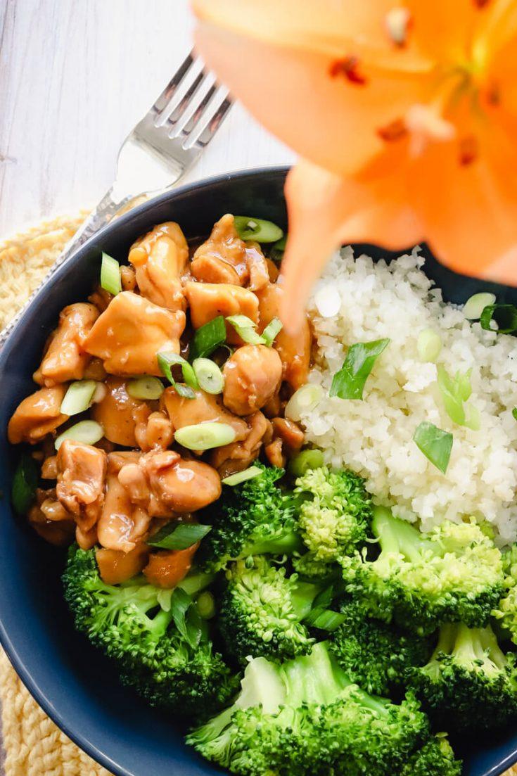 Keto teriyaki chicken bowl with broccoli